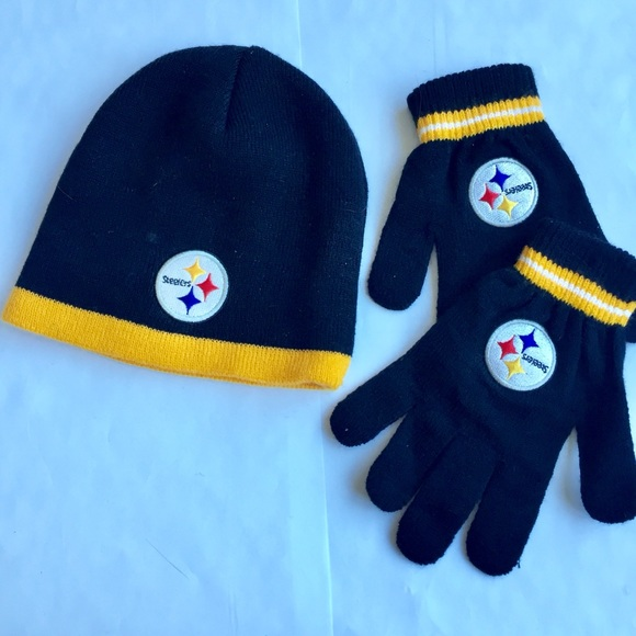 Pittsburgh Steelers NFL Hat  Glove Set Youth. M 5a8aee71b7f72b991c8a284b 97284b69cf90